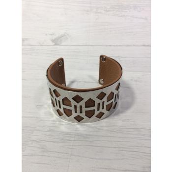 Bracelet ajouré en acier