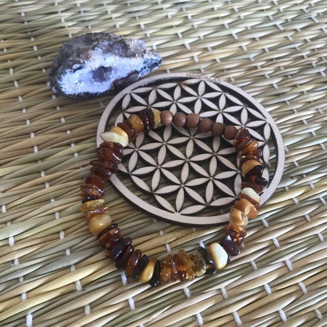 Bracelet en ambre et bois de santal