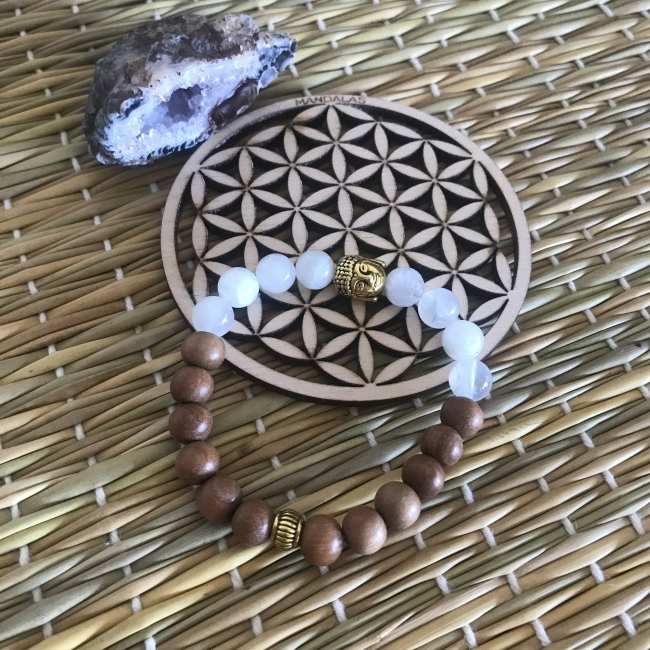 Bracelet en pierre de lune blanche et bois de santal