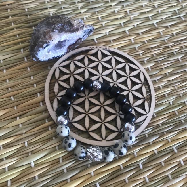 Bracelet en bois d'ébène et jaspe dalmatien
