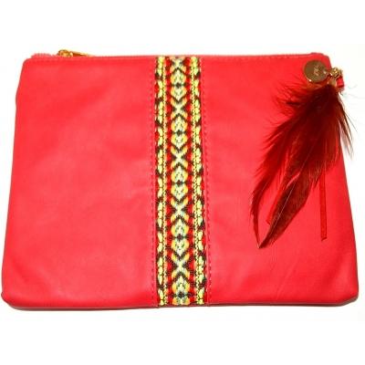 Pochette KIM & ZOZI rouge en simili daim avec plumes
