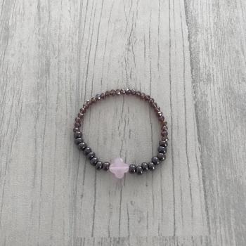 Bracelet violet et trèfle rose nacré