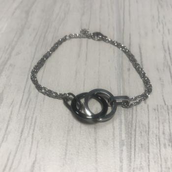 Bracelet en acier et ronds entrelacés céramique noir
